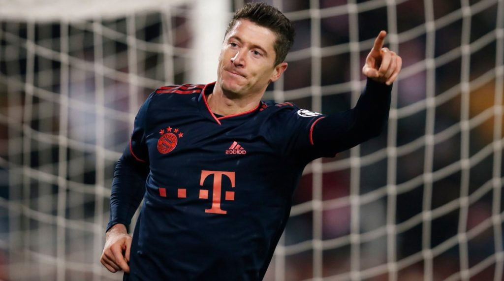 This image has an empty alt attribute; its file name is robert-lewandowski-bayern-munich-red-star-1024x571.jpg